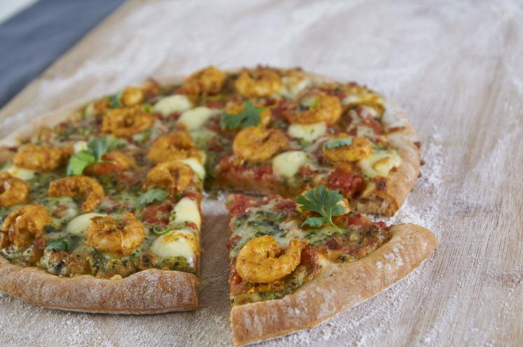 Pizzatopping av tandoorimarinerte reker