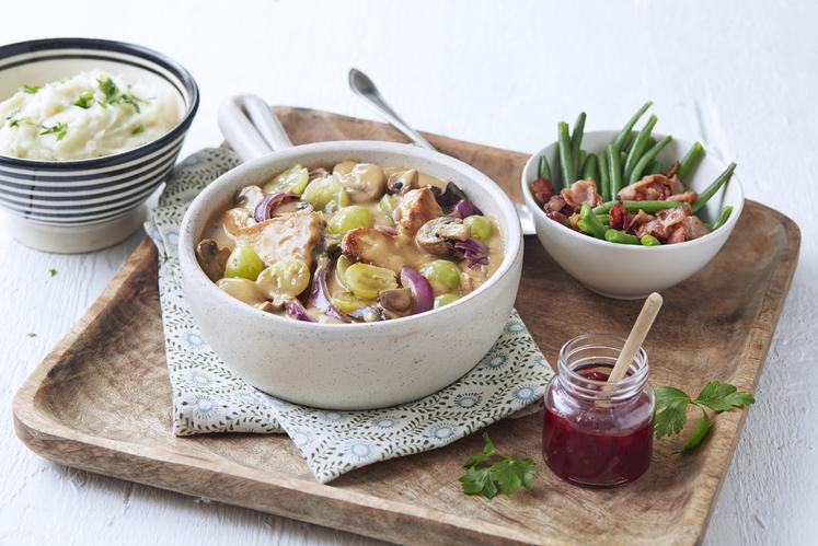 Jegergryte med kalkun, druer og sopp