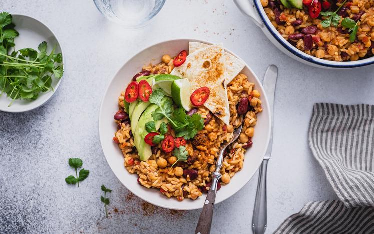 Meksikansk vegetargryte med bønner og kikerter