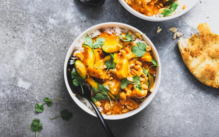Tikka masala vegetargryte med blomkål og peanøtter