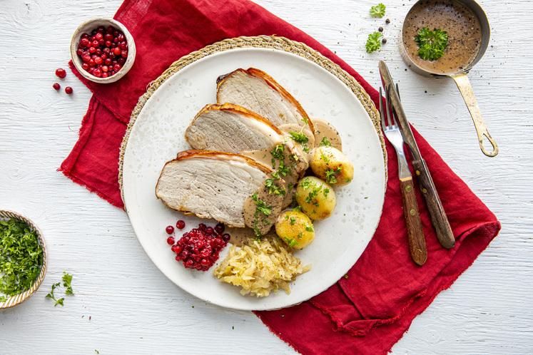 Skinkestek med surkål og peppersaus