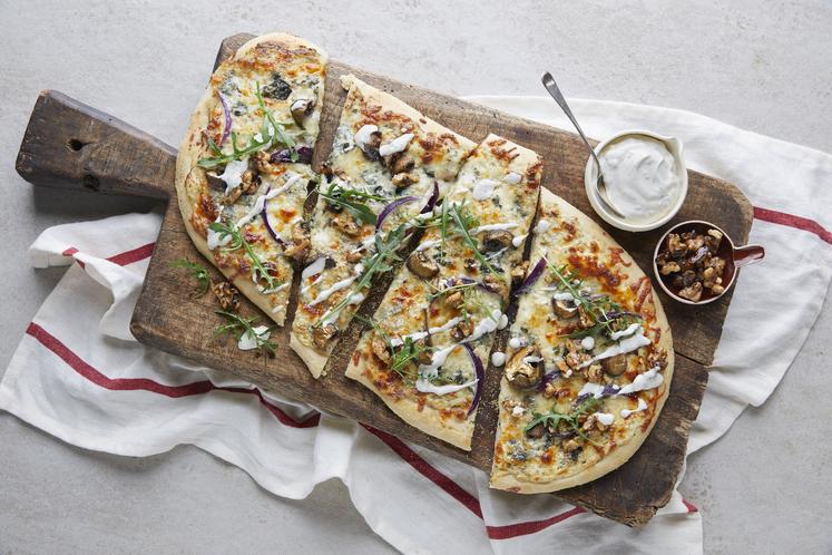 Vegetarpizza med blåmuggost